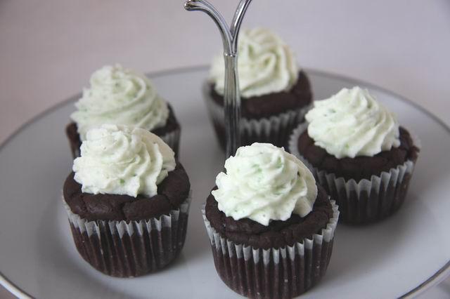 rezept mini muffin ohne ei lecker ohne. Black Bedroom Furniture Sets. Home Design Ideas