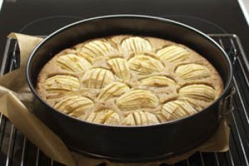 rezept apfelkuchen mit haferflocken ohne milch und ei lecker ohne. Black Bedroom Furniture Sets. Home Design Ideas